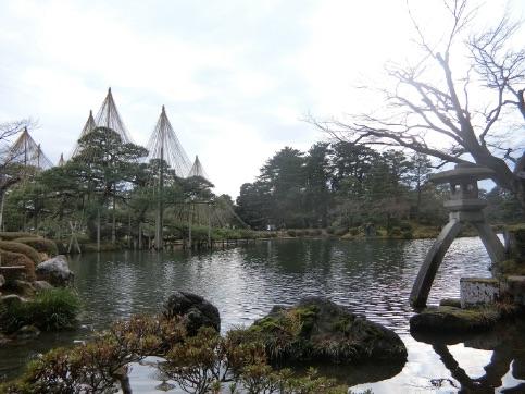 迎春 金沢 石浦神社 初詣 と 雪吊りの兼六園