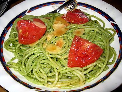 バジルトマトパスタ